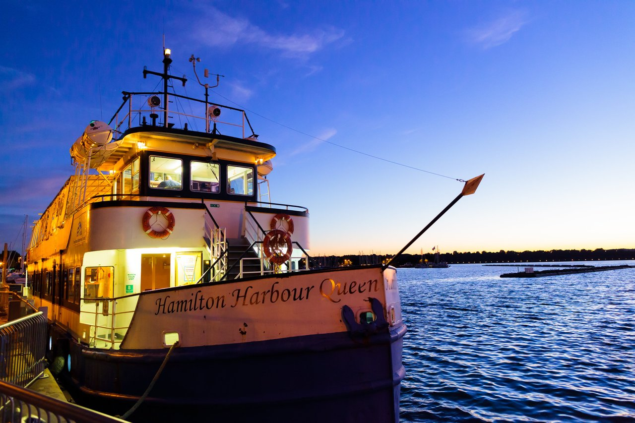 Harbour Queen at night