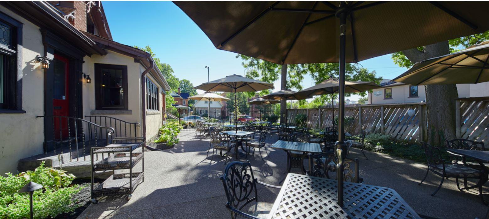 Quatrefoil patio