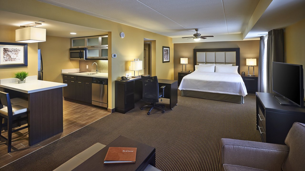 Homewood Hilton suite interior