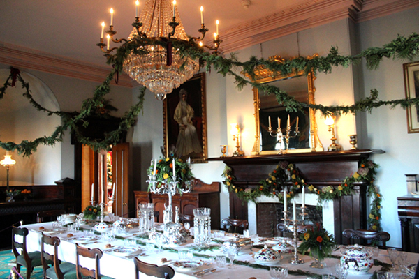 Photo: The dining room is set for a Christmas feast, which would've consisted of at least a twelve-course meal.
