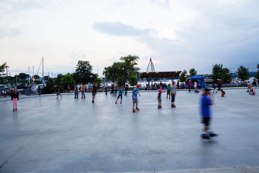 Pier 8 rollerskaters