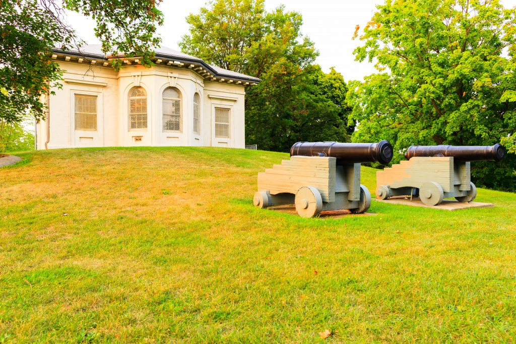 Dundurn - Military Museum cannons