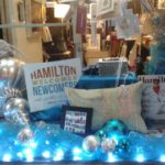 ham_store_holiday-gift-window