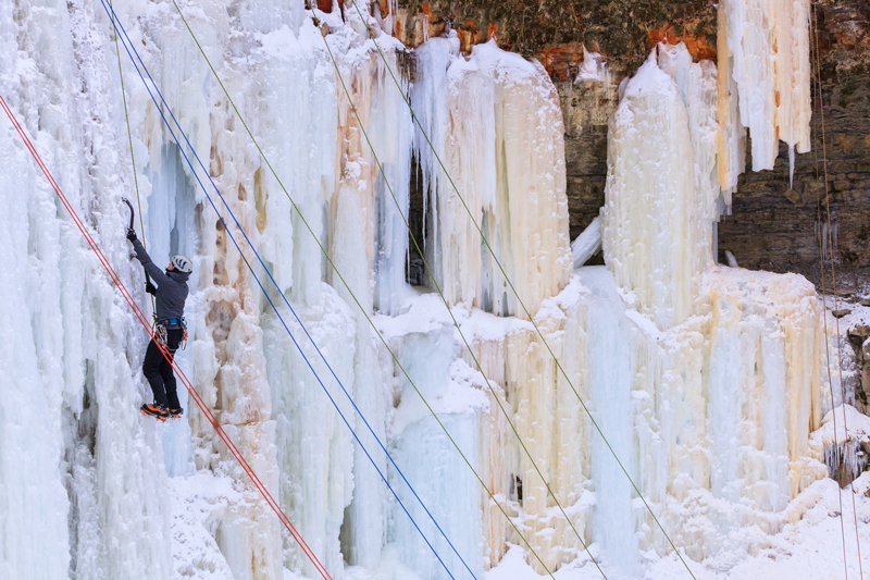 hamilton waterfall-ice-climbing-web