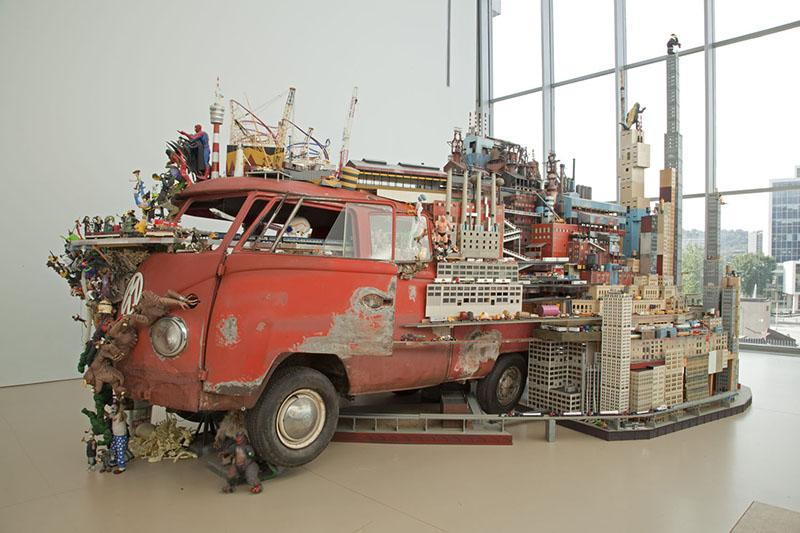 Kim Adams - Bruegel-Bosch Bus